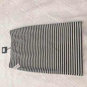 BB Dakota Skirts - NWT B.B. Dakota B&W Striped Pencil Skirt M